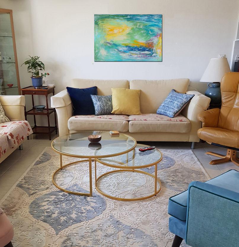 """הדפס של הציור """"חופש"""" בבית מגורים יפיפה בירושלים"""