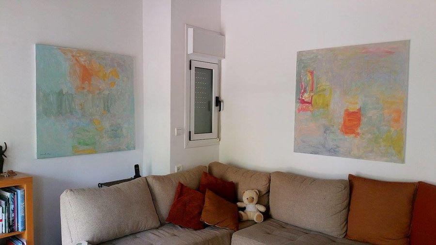 שני ציורים ליריים בבית מגורים בנילי