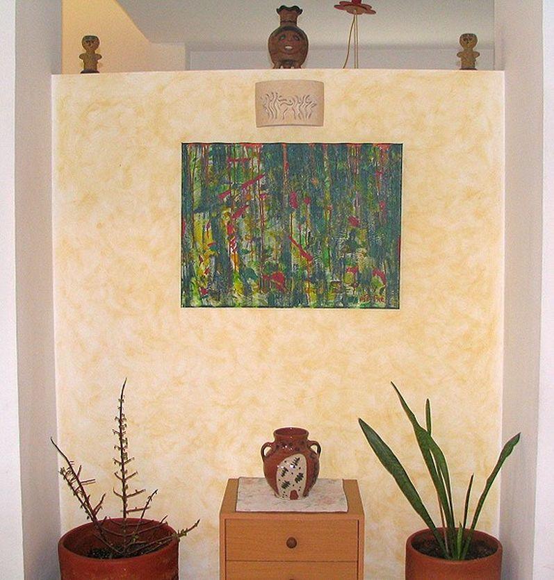אבסטרקט ירוק במבואה לבית