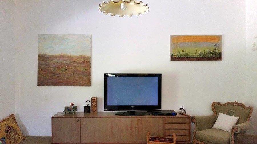 שני ציורים שלי בבית ביסוד המעלה